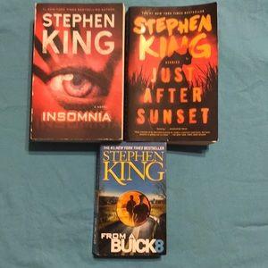 Bundle of Stephen King books.